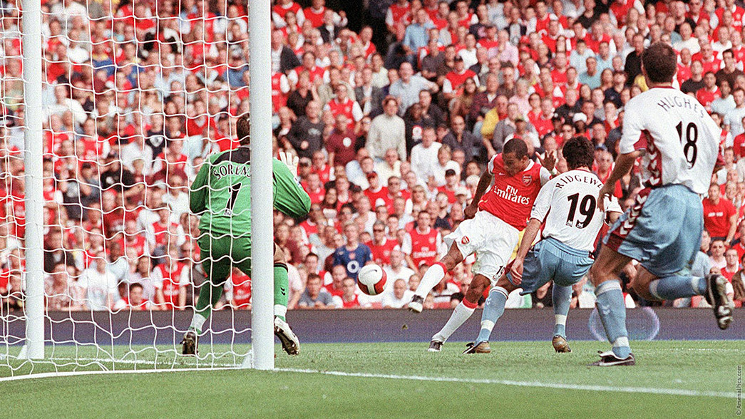 Gilberto scores the first Arsenal goal at The Emirates